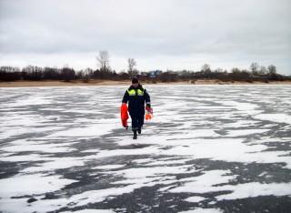 Любителей зимней рыбалки предупредили об опасности