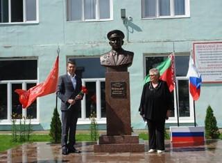 Памятник Меркушеву А.М. торжественно открыт